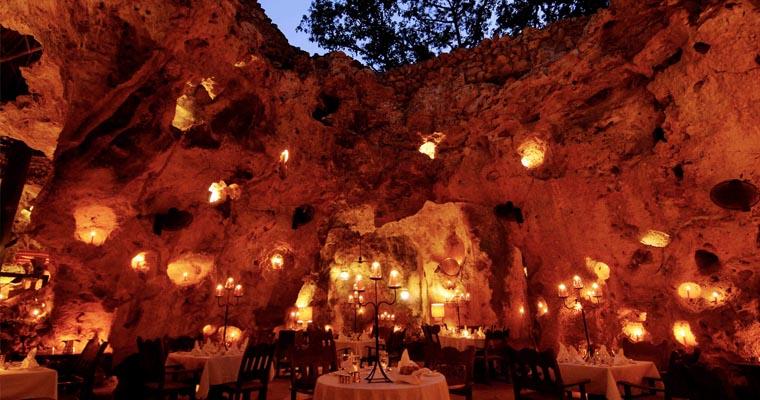 8 Cave Restaurant
