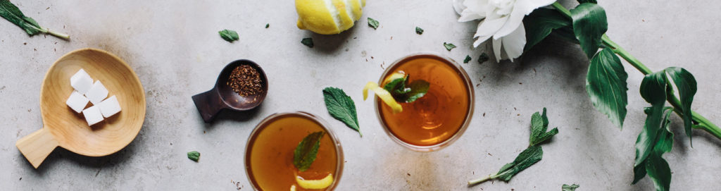 Tisane, bevande e infusi naturali anche d'estate.