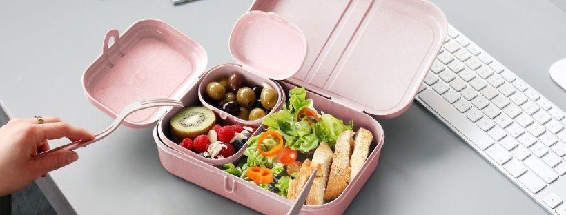 Pausa pranzo in ufficio, idee, menu e ricette: come preparare un lunch box perfetto