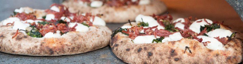 Pizza a canotto, l'emblema di una nuova generazione?