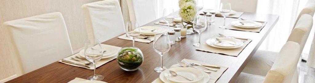 Come disporre gli ospiti a tavola