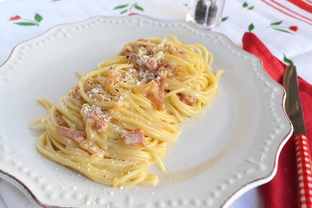 Cosa mangiare a roma i migliori piatti della cucina for Cosa mangiare a roma