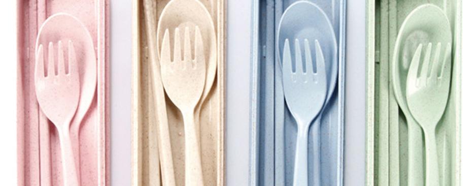 Posate a base di grano, cioccolato ed alghe per ridurre l'uso della plastica: vi raccontiamo tutto
