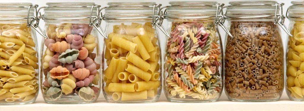 Farfalline del cibo: come disinfestare la dispensa in modo facilissimo