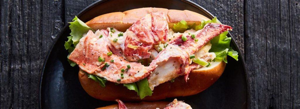 Basta cheeseburger, è il boom dei panini di pesce