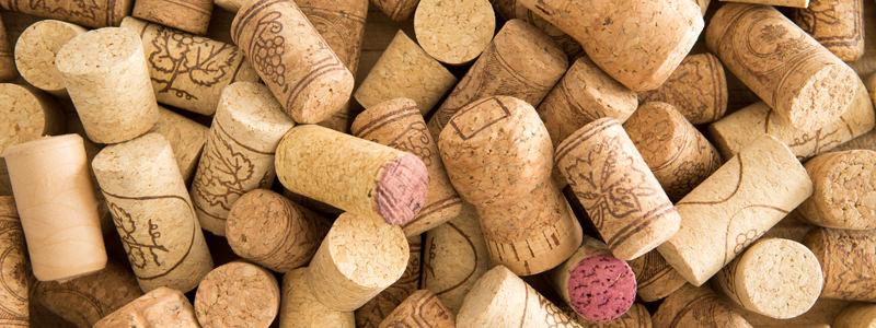 Il vino sa di tappo: come capirlo e cosa fare