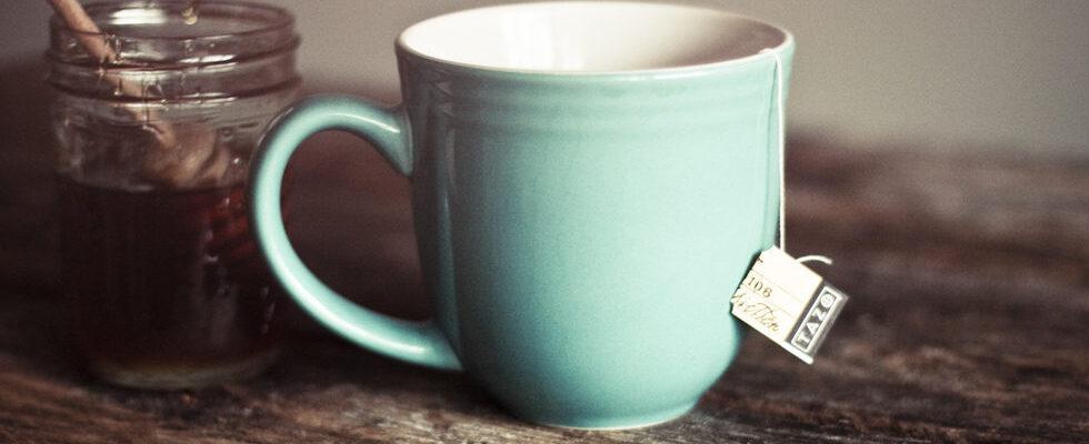 Latte e miele: benefici e proprietà per tosse e raffreddore dal sapore goloso