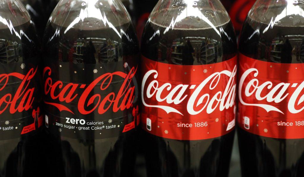 Usi alternativi della Coca Cola che forse non conoscete: una sola parola WOW