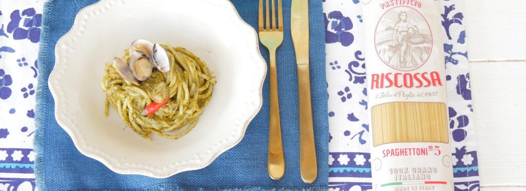 Spaghettoni con crema di friarielli e vongole