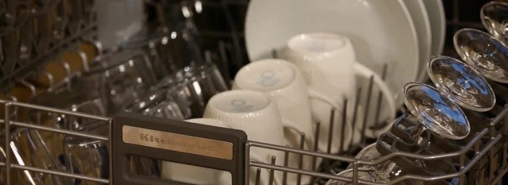 Come caricare la lavastoviglie: guida ed idee per principianti