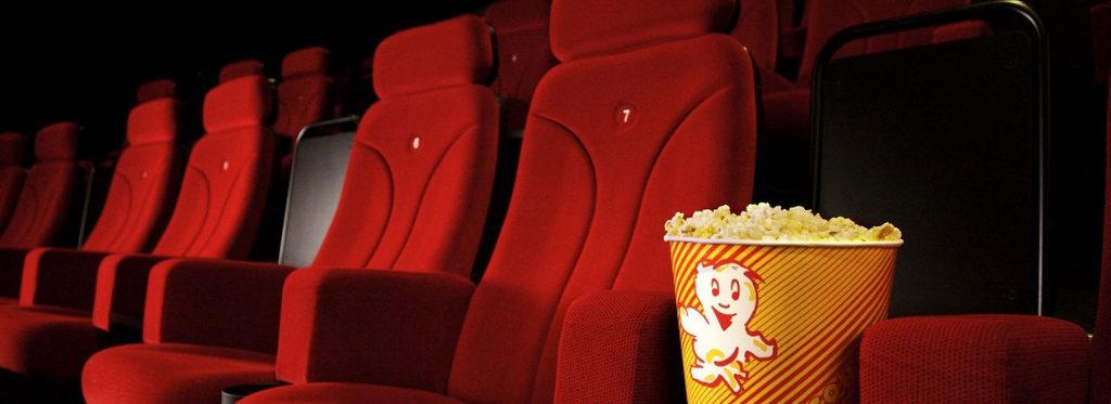 Pop corn al cinema: ecco perchè li mangiamo e tutte le novità per gli sgranocchiatori seriali