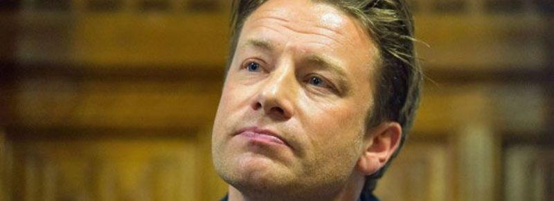 Jamie Oliver dichiara fallimento: tutti a casa, scopriamo cosa è successo veramente