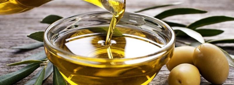 Olio extra vergine: un alimento dalle molteplici proprietà che amiamo tutti