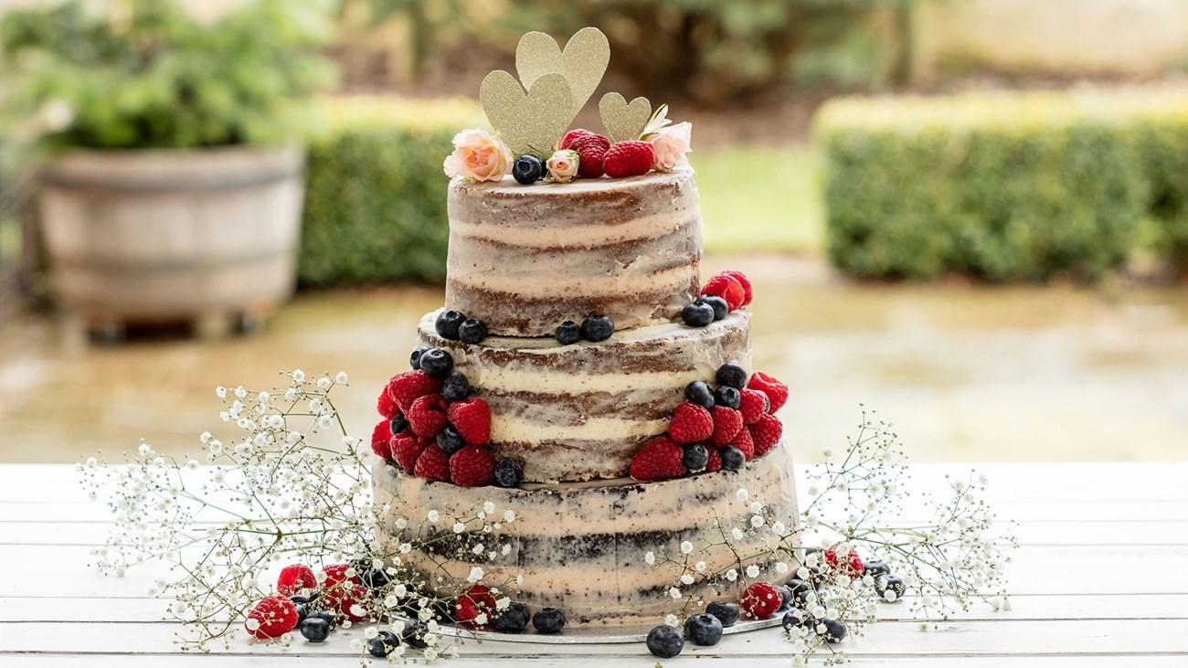 E davvero la fine del cake design: torte nude, ecco il