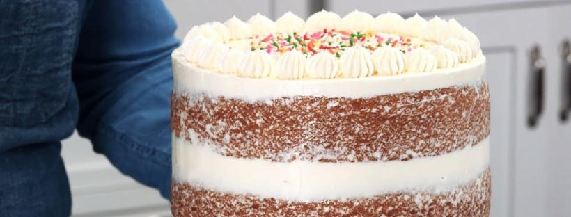 E' davvero la fine del cake design: torte nude, ecco il cambio di rotta che ci ha già conquistati