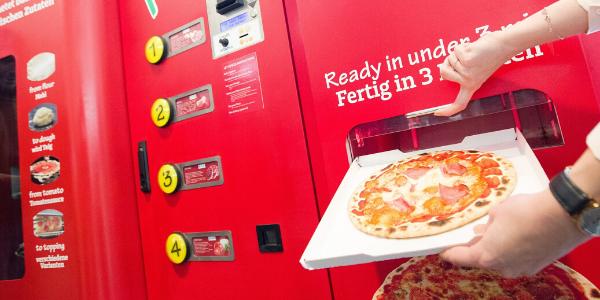 Let's pizza: distributore di pizza, è realtà ed è stato appena presentato al pubblico