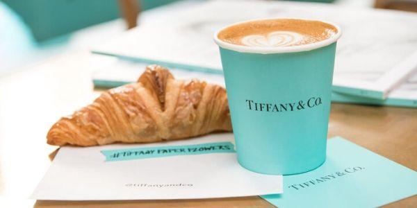 Nasce il bar di Tiffany ed è subito mania: la colazione dei sogni