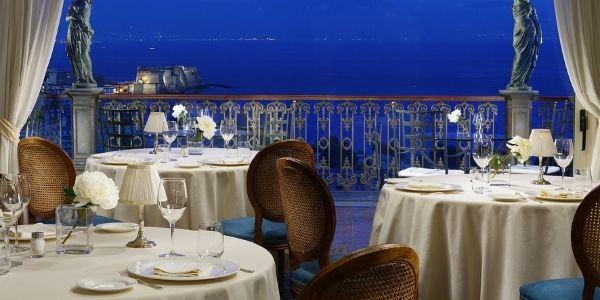 Il risveglio e la cena negli hotel: offerte che fioccano in tutta Italia
