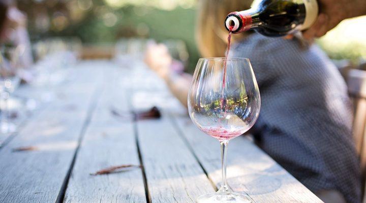vino rosso e percoche