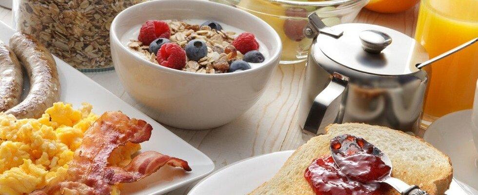 Colazione proteica dolce o salata? Ecco cosa mangiare
